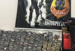 PF prende três homens com 232 quilos de cocaína em casa de praia