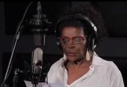 """Veja Zezé Motta declamando a música inédita """"Marielle, presente!"""""""