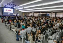 PMJP realiza palestra com psicólogo Rossandro Klinjey e discute relação entre família e escola para a formação dos alunos da Capital