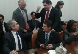 Hugo e Nabor assinam filiação ao PRB com testemunho de Lira e Romero