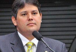 TJ afasta Dinaldinho da Prefeitura de Patos por fraudes e corrupção – Dois servidores afastados