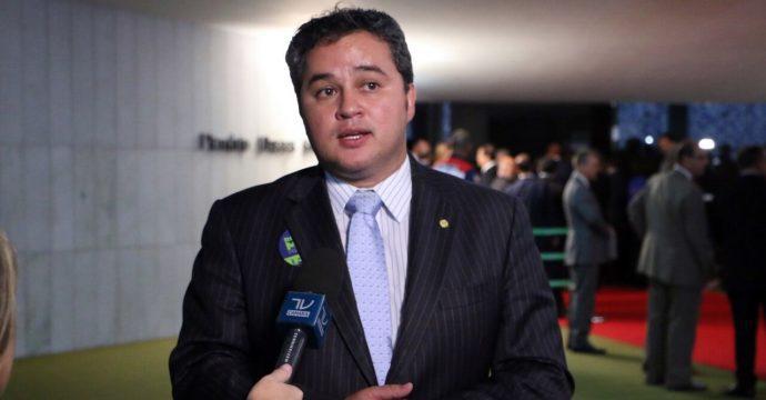 Efraim Lider e1490298374891 - Efraim Filho apresenta plano de trabalho na comissão que debate o fim do foro privilegiado