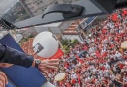 Lula monta teatro para não se render a Moro mas cede e vai para a prisão