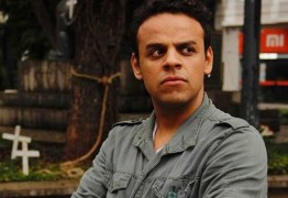 "Ator é preso após aplicar golpe das ""nudes"" e chantagear as vítimas, veja prints"