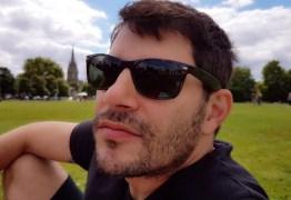 DE VOLTA AO LAR? Evaristo Costa posta foto e dá esperanças para fãs