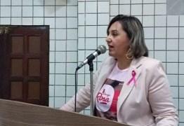VEJA VÍDEO: vereadora Fabiana Régis volta atrás e confirma veracidade de carta renúncia