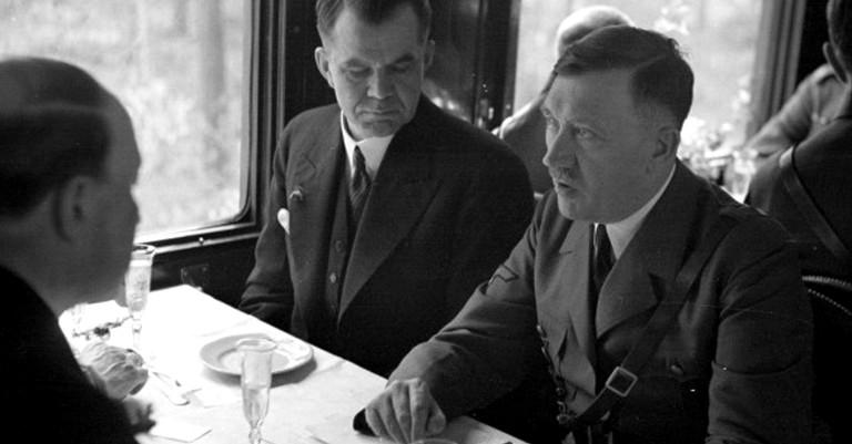 hitler capas 1095034 - Ouça: a única gravação com a voz normal de Hitler