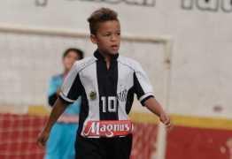 Puma fecha patrocínio com garoto de nove anos, promessa do Santos