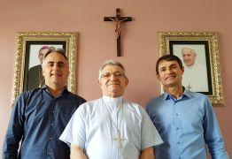 Ao lado de Romero, Lucélio defende cultura de paz em reunião com bispo de Campina Grande