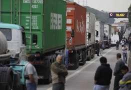 GREVE NO PAÍS: Caminhoneiros afirmam que não têm medo das forças de segurança