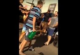 Em posto, homens brigam por gasolina e saem no tapa; VEJA VÍDEO!