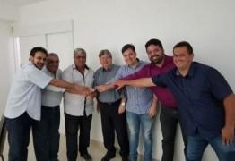 João Azevedo recebe apoio do prefeito de Vieirópolis