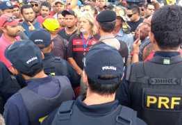 Motoristas denunciam 'pressão' da PRF para encerrar protesto na Gauchinha