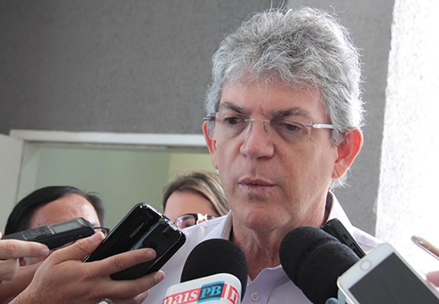 RICARDO COUTINHO - Ricardo Coutinho critica decreto de Bolsonaro que flexibiliza posse de armas: 'Paranoia e balela'