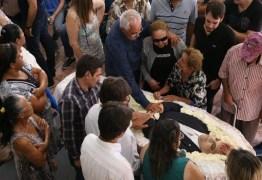 O ADEUS DE CAMPINA: Corpo de Rômulo Gouveia é velado na Câmara dos Vereadores de Campina Grande – VEJA FOTOS