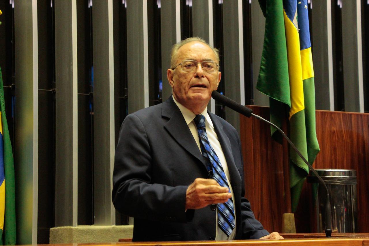 WhatsApp Image 2018 05 17 at 21.59.57 - Após posse, Marcondes Gadelha discursa na tribuna e ressalta legado de Rômulo Gouveia; VEJA VÍDEO