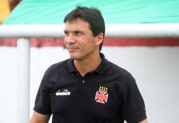 """""""Atingimos nosso limite de dedicação e esforço"""", afirma Zé Ricardo, após eliminação do Vasco na Libertadores"""