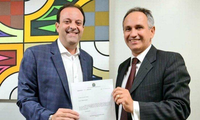 andre moura francisco lopes divulgacao - Presidente do INSS é demitido após contratar empresa com sede em depósito de bebida
