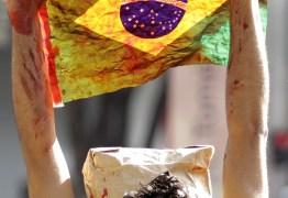 A nossa bandeira sempre foi vermelhinha – Por Gregório Duvivier