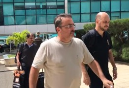 Presos da Operação Dominó embarcam para a sede da PF de Curitiba