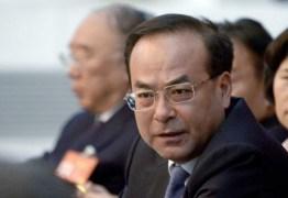 Ex-ministro chinês é condenado à prisão perpétua por aceitar propinas