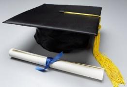 DENÚNCIA: Universitários não receberam diploma de faculdade paraibana