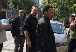 Repórter estrela: Fabíola Gadelha exige escolta de quatro seguranças e recusa fotos com fãs