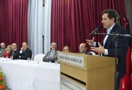 Gervásio participa de entrega de Cidadania Pessoense ao jurista Paulo Barbosa