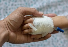 Técnica em enfermagem é presa por tentar matar 4 recém-nascidos