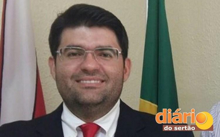 juiz sousa 1 - Juiz de Sousa fala sobre confusão com manifestante e esclarece bate-boca com advogado