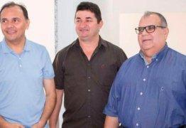 Em favor de Eva Gouveia, campeão de votos, Manoel Ludgério declina de disputa à Câmara Federal e vai para reeleição à ALPB