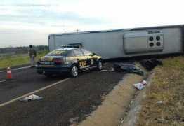 Colisão frontal entre carro e ônibus deixa 9 mortos
