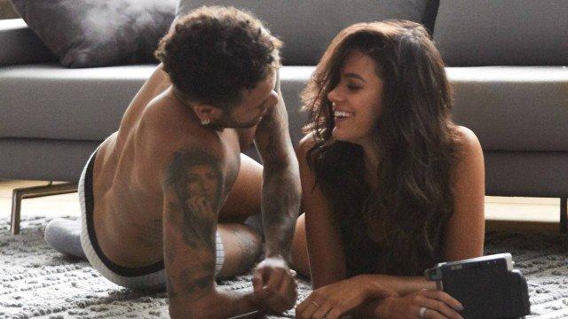 xbrumar2.jpg.pagespeed.ic .fW0yRbp6Ys - Neymar comenta foto de Bruna Marquezine para defender a ex, 'Ninguém tem que ser meter'