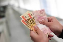 1514326155324 - Existe um valor mínimo e um máximo para sacar dinheiro no PIS/Pasep?