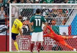 Suécia vence o México, e derrota alemã classifica os dois para as oitavas