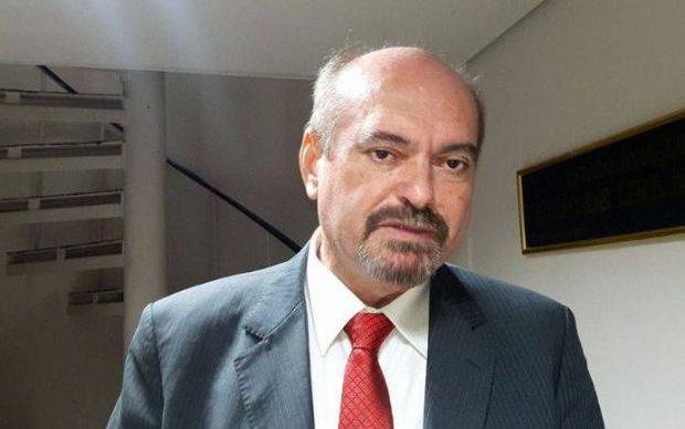 Mais 2 ministros do STF condenam fala de filho de Bolsonaro