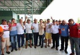 João Azevêdo e Veneziano são recebidos por prefeito e lideranças de Ibiara