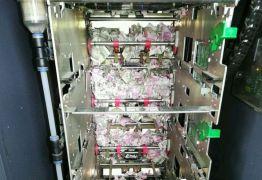 Ratos entram em caixa eletrônico e destroem R$ 68 mil em notas