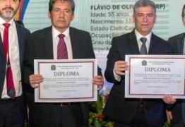 Por maioria dos votos, Câmara de Cabedelo afasta Leto Viana e vice-prefeito