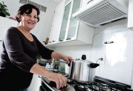 Dona de casa que nunca pagou INSS pode se aposentar? Saiba o que fazer