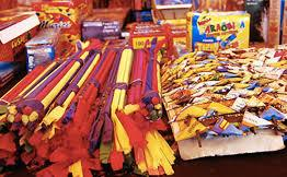 Procon-JP encontra diferença de até R$ 80,00 nos preços de fogos de artifício e fiscaliza locais de venda