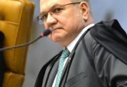 Fachin dá 5 dias para Lula esclarecer se quer discutir inelegibilidade