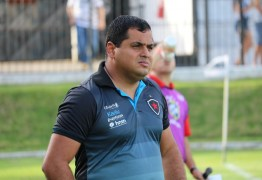 Leston Júnior deixa o comando técnico do Botafogo-PB