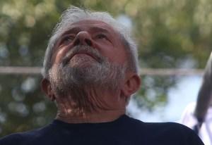 lula 2 300x206 - URGENTE: presidente do TRF-4 decide que Lula deve continuar preso