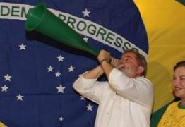 Da cadeia, Lula vai comentar Copa para TV de sindicato