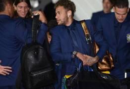 CHORA NO ACESSÓRIO! Mala de mão de Neymar custa R$ 17.900