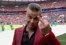 Copa da Rússia: Ponto alto da abertura foi gesto obsceno de Robbie Williams – VEJA VÍDEO