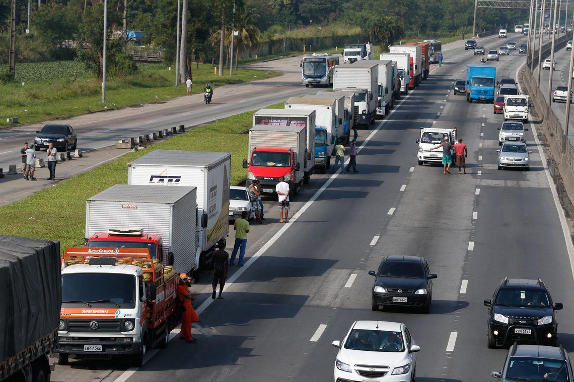 tnrgo abr2505182894 1 - Após decisão de Fux, caminhoneiros tentam adiantar paralisação para 10 de janeiro