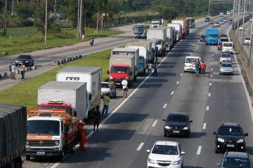 tnrgo abr2505182894 1 - Após quase 4 horas de reunião com ministro, caminhoneiros descartam greve