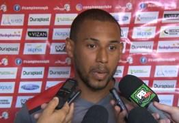 Campinense anuncia a saída de Neto, mas volta a ter Danillo Bala à disposição